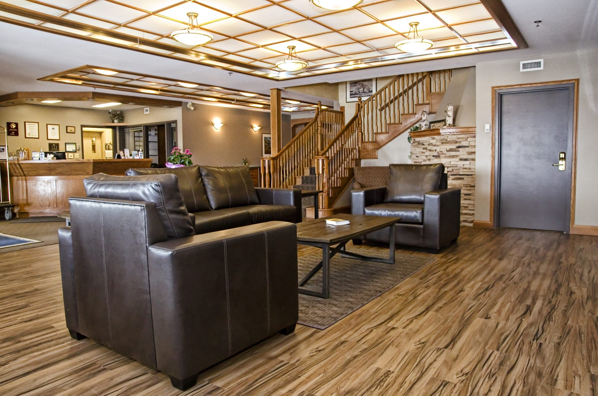 Lakeview Inns & Suites - Brandon - Hotel Lobby