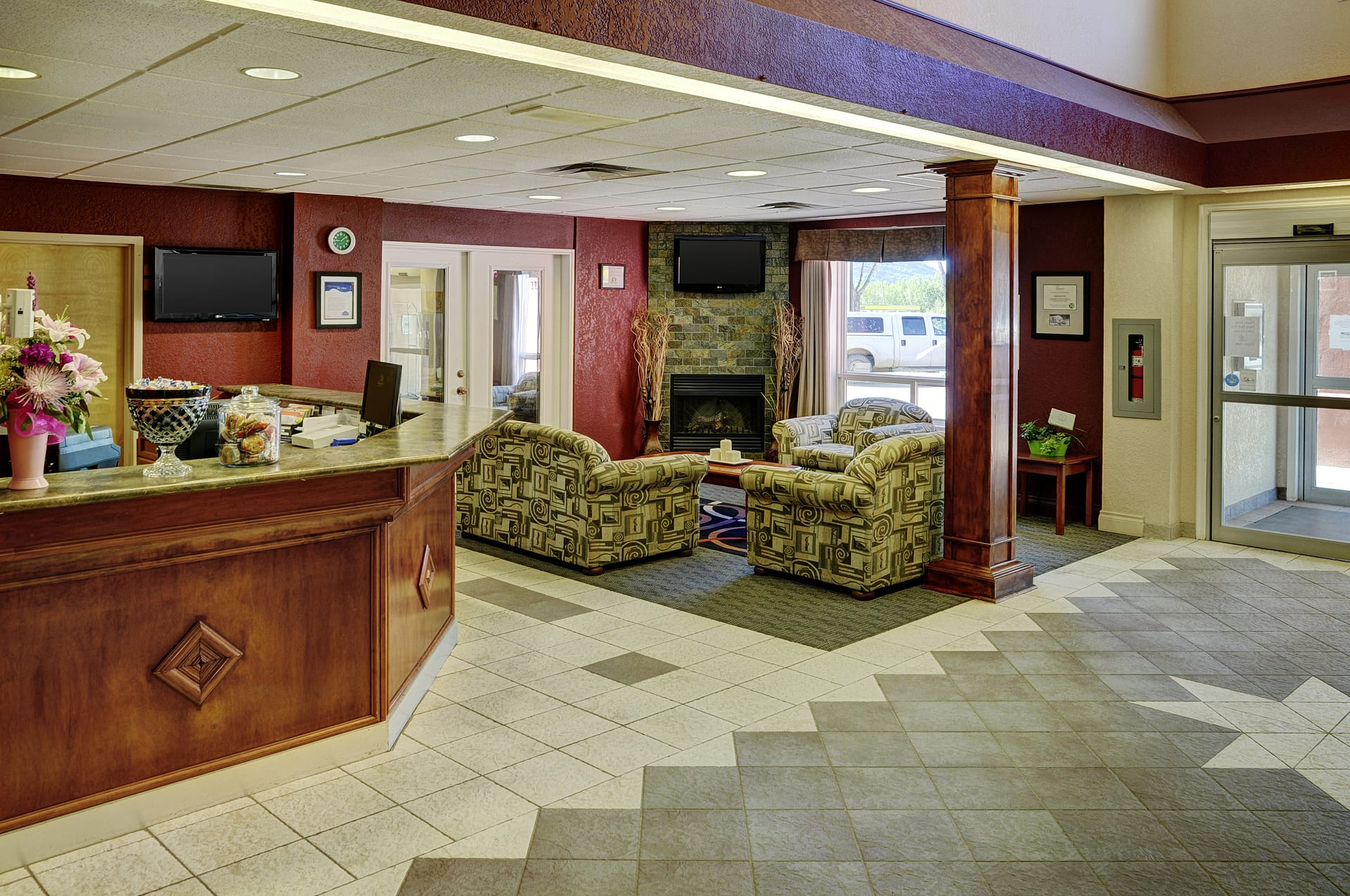 Lakeview Inns & Suites - Chetwynd