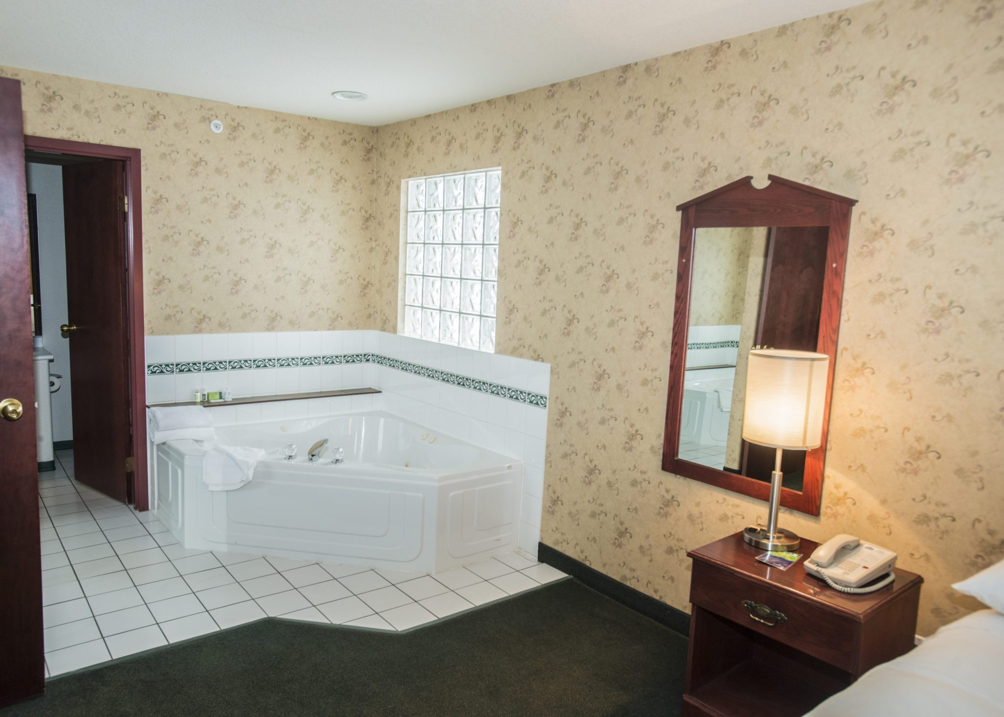Hotels In Prince George Bc With Jacuzzi